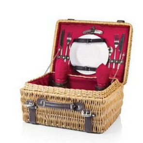 'Champion' Picnic Basket, (Red Lining & Napkins with Dark Brown L